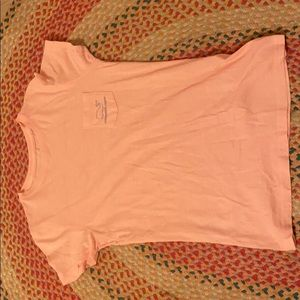 Pink Vineyard vines t-shirt
